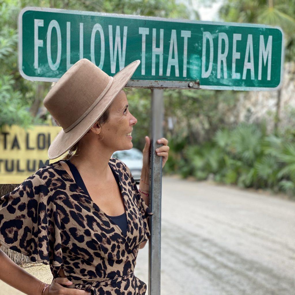 Waltraud Hable Reiseautorin Follow that Dream Portrait
